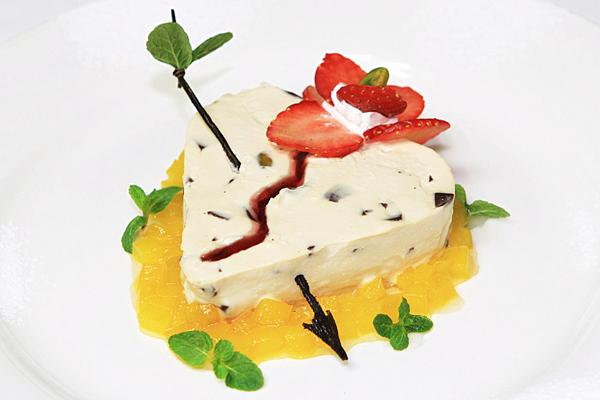 Кофейный десерт от шеф-повара ресторана La Serenata специально ко Дню св. Валентина