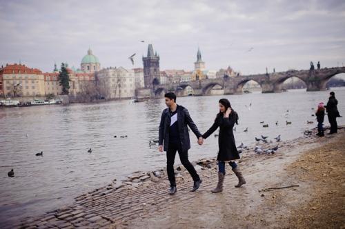 Что подарить девушке на 14 февраля? Поездка в Европу