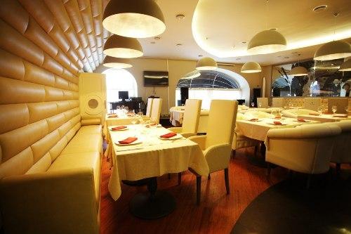14 февраля в ресторане-караоке Тонино Ламборджини