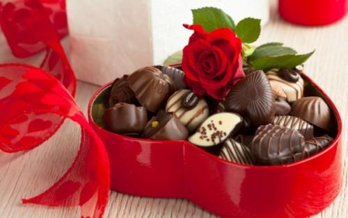 10 удачных идей хороших подарков на День святого Валентина шоколад