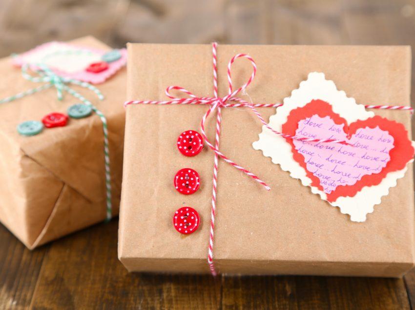 Незабываемый День святого Валентина: большая копилка идей для маленькой компании